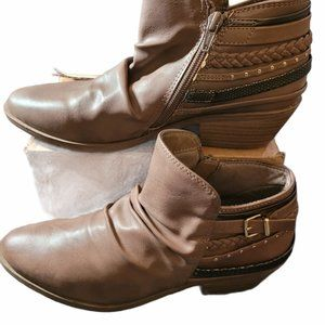So Womens Brown Side Zip Ankle Boots Size 8.5